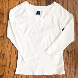 Gap White V-Neck 3/4 Sleeve Shirt
